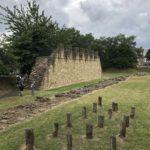Resti romani e ricostruzione Vallo di Adriano
