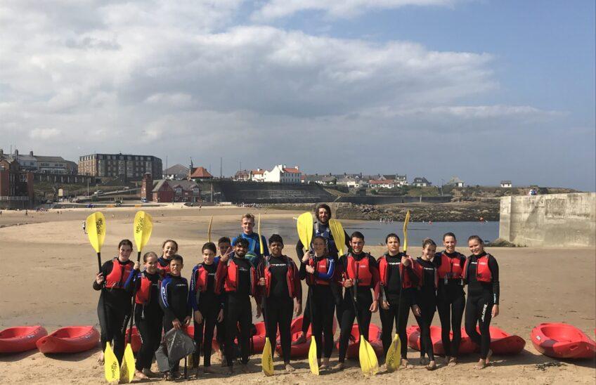Foto di gruppo con gli istruttori di kayak